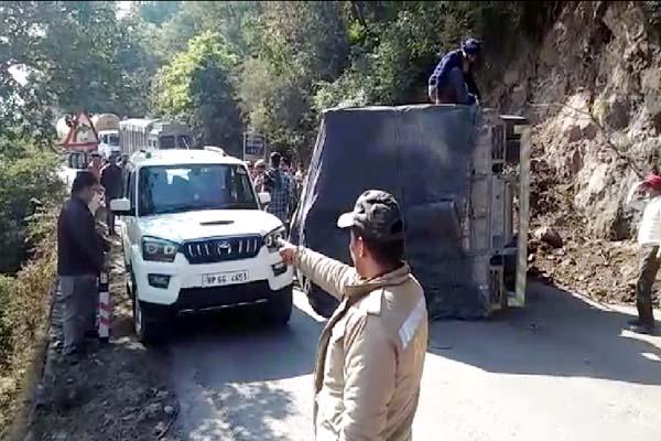 PunjabKesari, Truck Accident Image