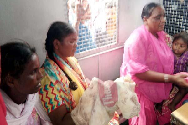 PunjabKesari, Thief Women Image