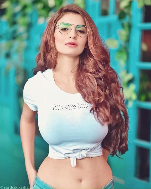 Bollywood Tadka, Anveshi Jain Images, Anveshi Jain Pictures, Anveshi Jain Photos