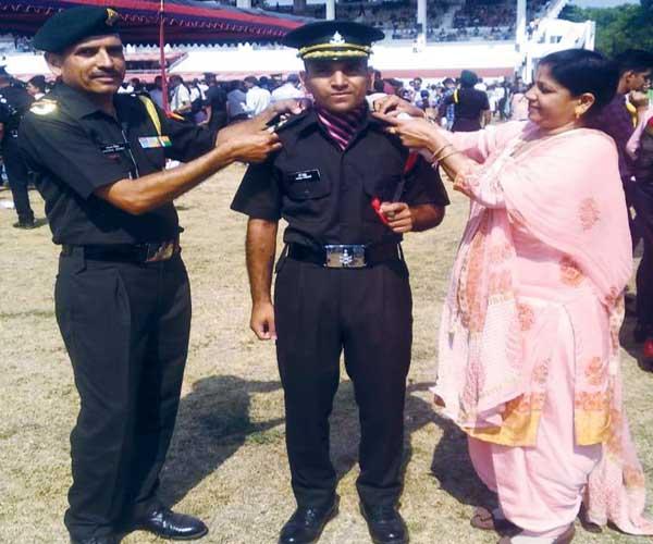 PunjabKesari, Lieutenant Harsh Thakur Image