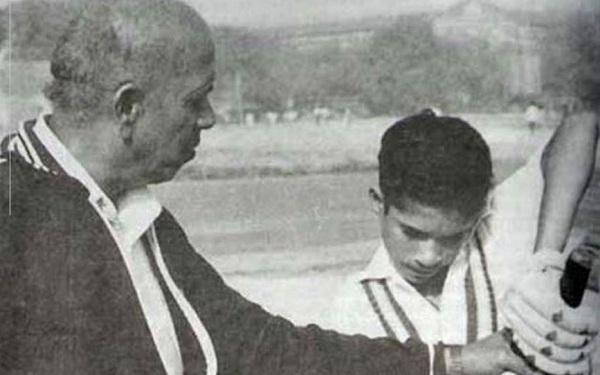 sachin-tendulkar-coach-ramakant-achrekar-died