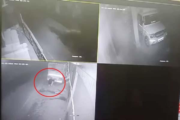 PunjabKesari, Tyre Thief Image