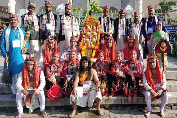 PunjabKesari, Folk Dance Group Image