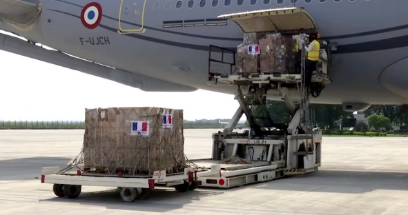 france handed over ventilators and test kit to india