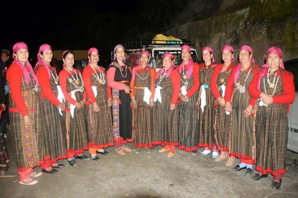 PunjabKesari, Kullu Women Image