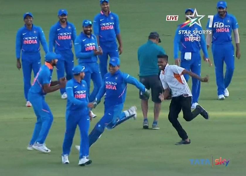 MS Dhoni INDvAUS 2nd ODI