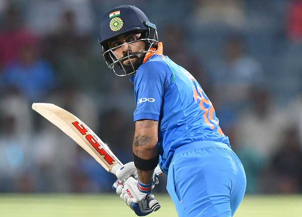 Virat Kohli, Records,  शतक लगाकर कोहली ने किया वो कारनामा जो क्रिकेट इतिहास में कोई भारतीय नहीं कर सका