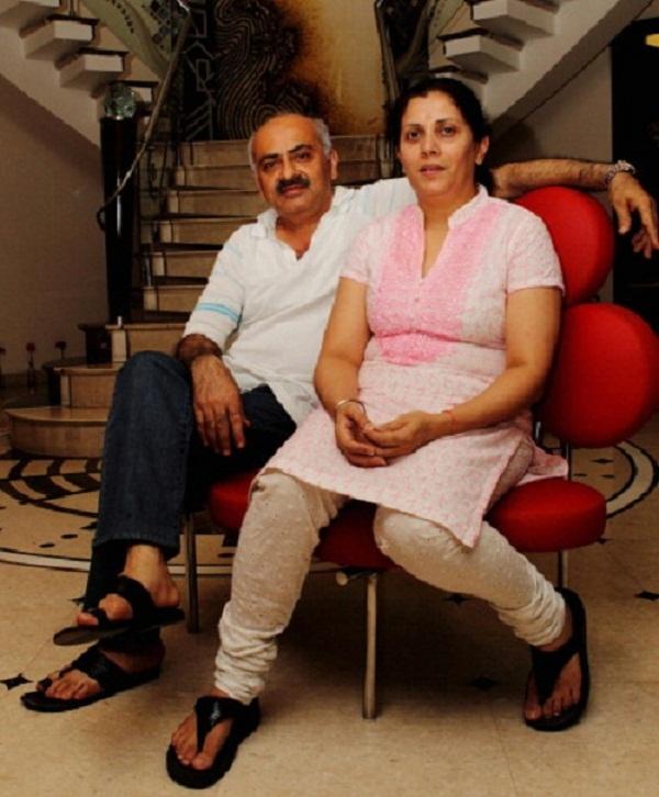 Gautam gambhir retirement announcement, Gambhir moter father