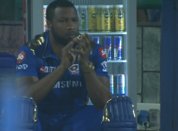 Hardik pandya hit helicopter shot again, Pollard's give applause