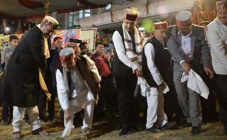 PunjabKesari, CM Jairam Thakur Dance Image