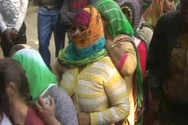 PunjabKesari, fertilizer problem, crop, palwal
