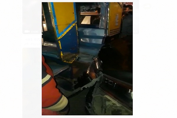 PunjabKesari,rider, firing, car, INLD