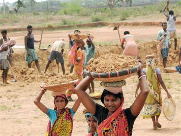 government will give additional package of 40 thousand crores for mnrega