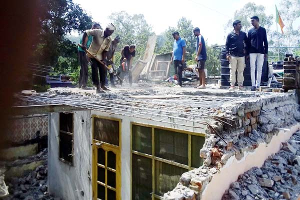 PunjabKesari, Illegal Occupation Removal Image