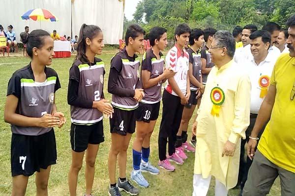 PunjabKesari, Women Handball Competition Image