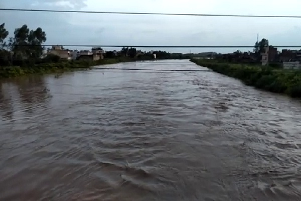 flood in haryana water reached railway railway bridge and highway